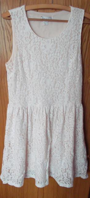 šaty Amisu