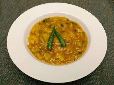 Aloo Jhol - Simple Potato Curry