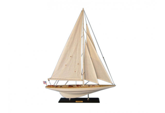 Scaled Sailboat Model Rainbow