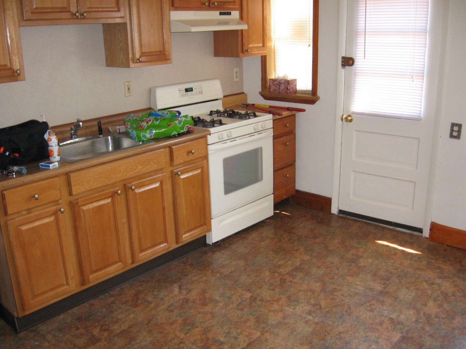 Cleaning Kitchen Floors Cabinets Colors Floor Machines