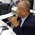 Vereador Ronaldão pede atenção dos colegas antes de fazer denúncias