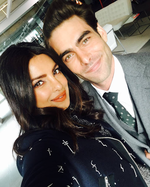 Priyanka-Chopra-with-Jon-Kortajarena-Picture-On-Instagram