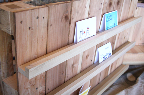A Lot Of Positioning And Drilling Viola Cute Little Diy Craft Show Display I Ve Seen Card Displays On Etsy Other Sites For No Less Than 50