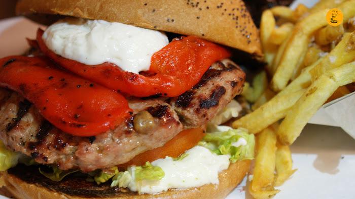 Hamburguesa burgalesa en Bacoa Madrid Sol