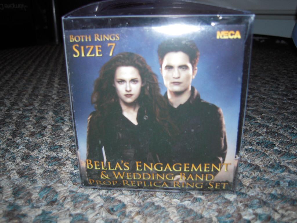 breaking dawn part 2 bella engagement bella's wedding ring Bella Breaking Dawn Pt 2 Engagement Ring Set