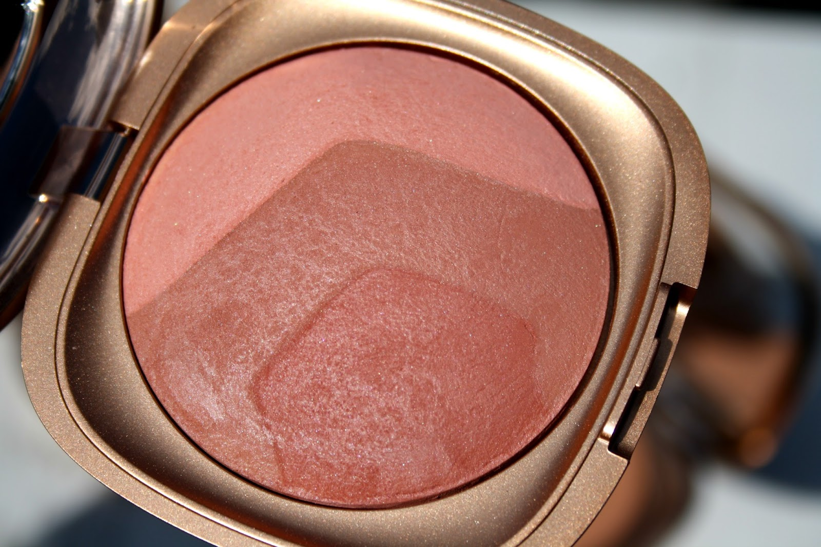 9a7b496c I have Lust Coral and like the baked bronzer, the texture is light and  silky and is a case of a little going a long way as it glides onto the skin.