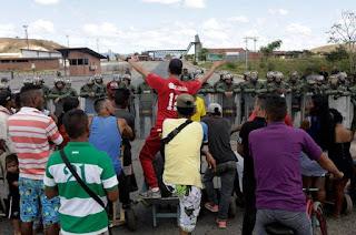 http://vnoticia.com.br/noticia/3516-confrontos-na-fronteira-com-a-venezuela-deixam-2-mortos-e-15-feridos
