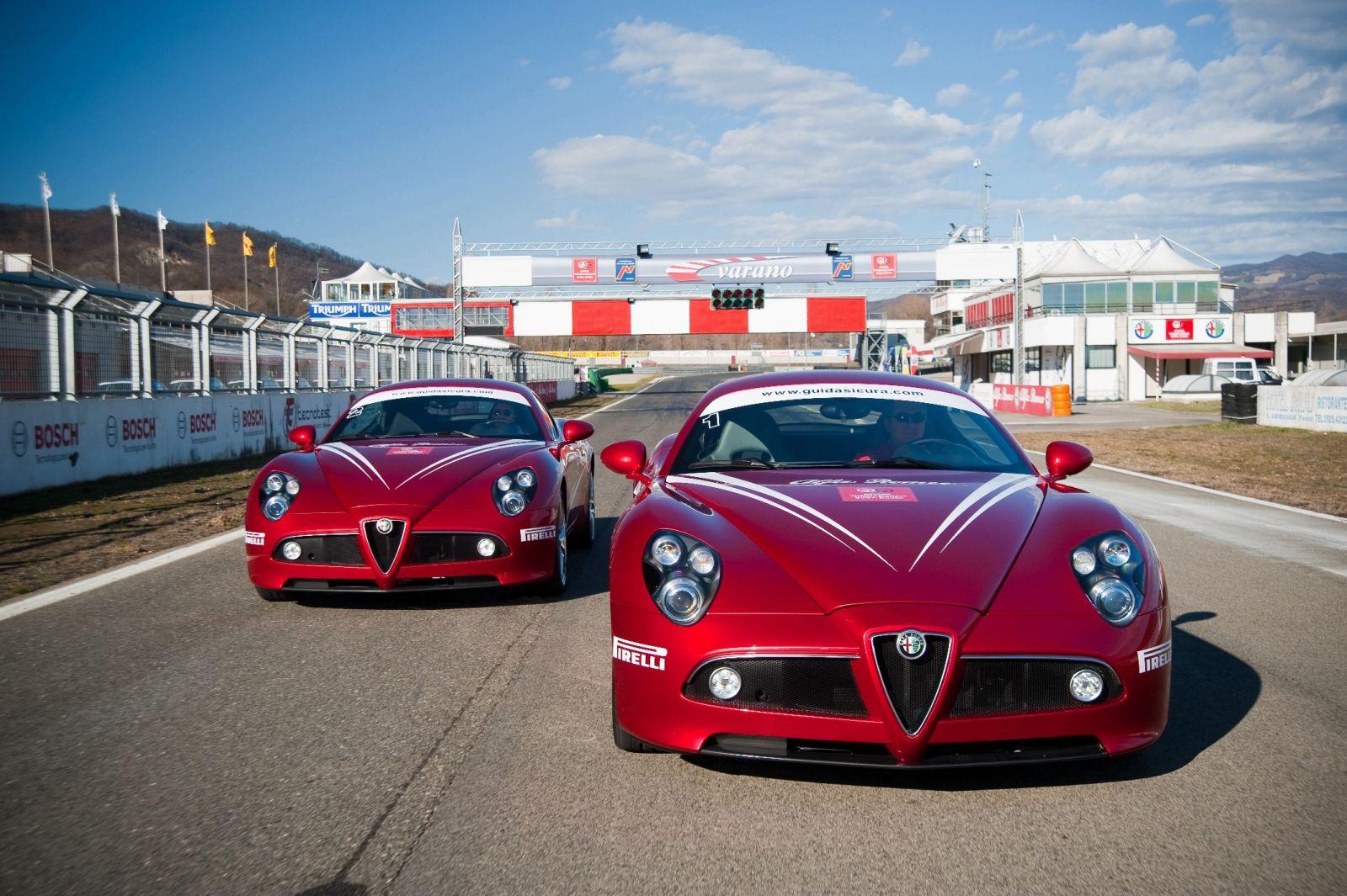 Ο Andrea de Adamich καθηγητής της Alfa Romeo