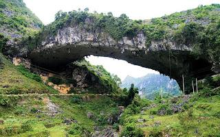 Jembatan Yang Terbentuk Secara Alami