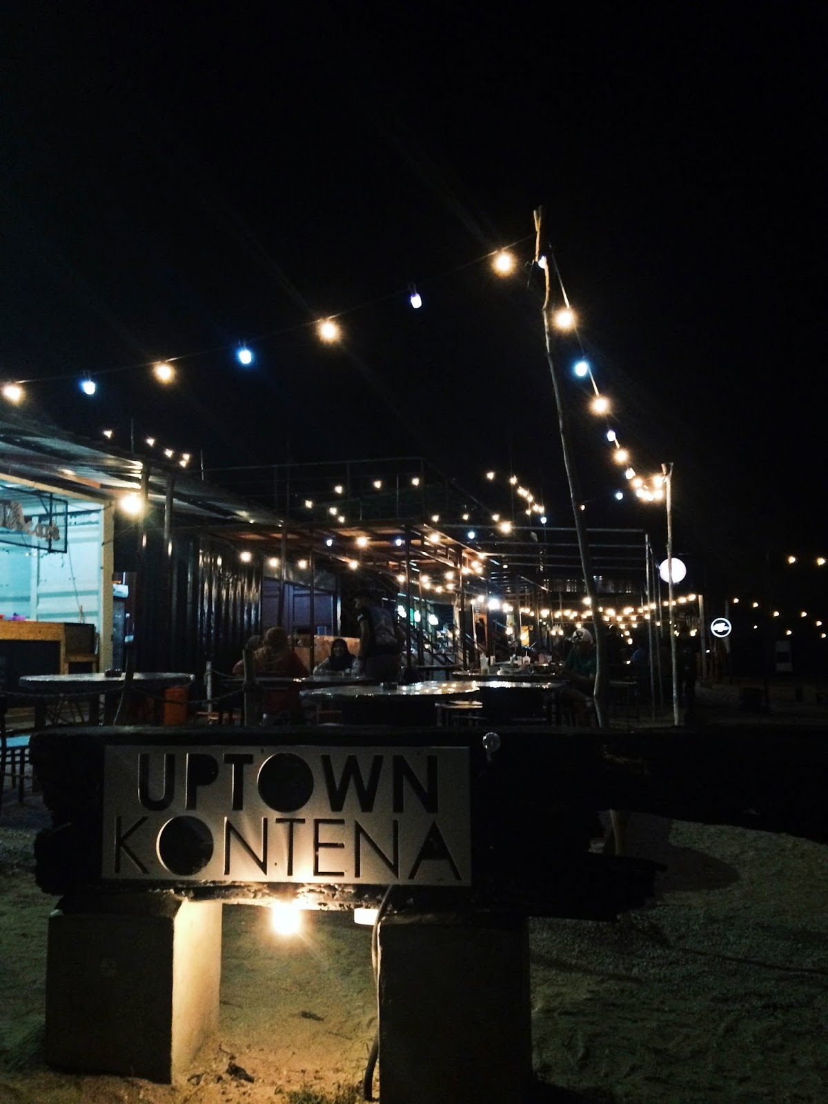 Lepak Dapo Pata Uptown Kontena Di Pantai Tok Jembal Tempat Best Terengganu Qaseh Dalia S Blog