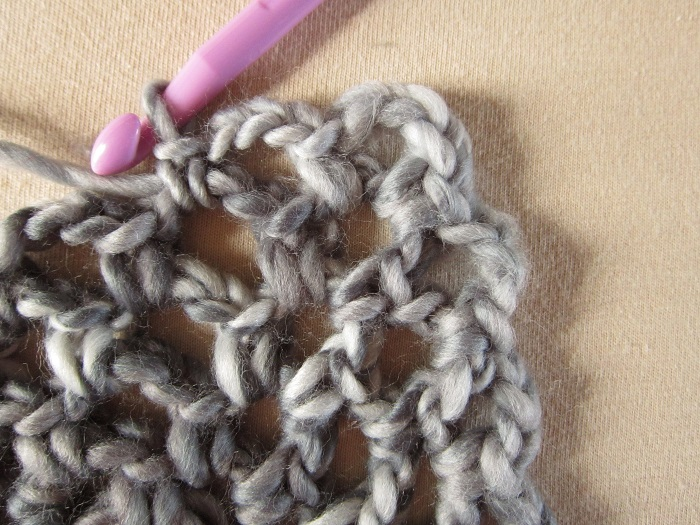 Loops & Threads Facets, knots, Russian Join, crochet