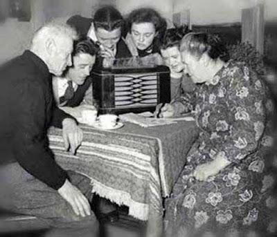 todos a escuchar la radio