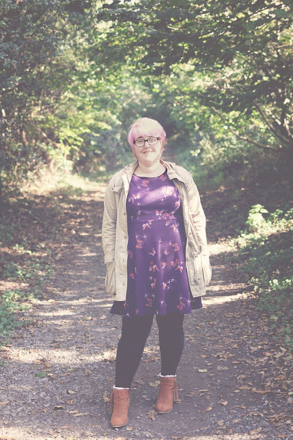 autumnal outfit post purple floral dress with black leggings and brown boots - mother style-fashion