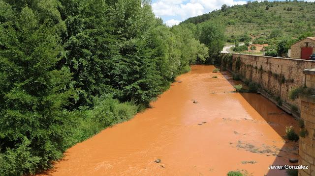 Burgos. Covarrubias. El misterio del río colorado. The mystery of the Colorado River