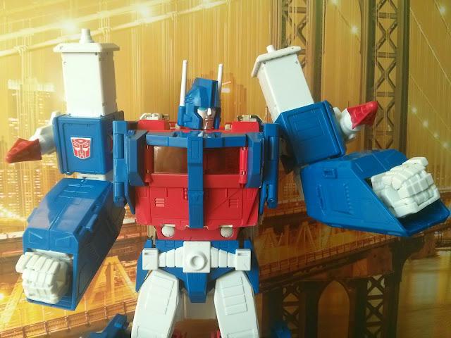 takara transformers mp-22 ultra magnus fists