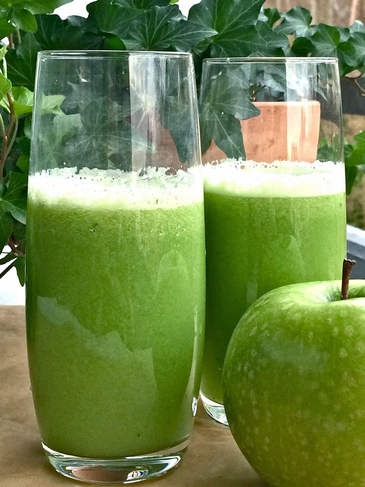 Passionately Raw Delicious Green Detox Juice Recipe