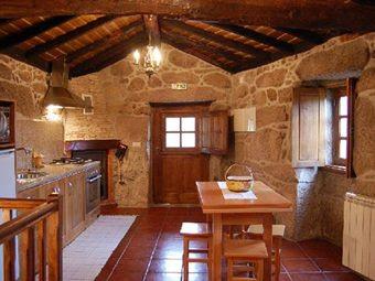 Decor ativa pequena cozinha rustica for Casa moderna rustica