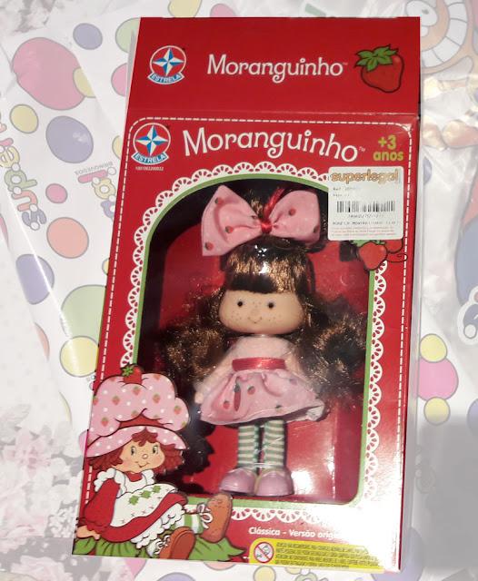 Boneca Moranguinho na caixa