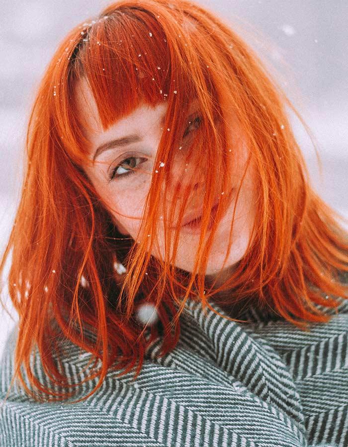 Inspiração de cabelo vermelho em tom ruivo alaranjado