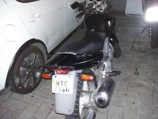 Dupla com motocicleta roubada é detida pela Guarda Municipal de Vitória (ES).