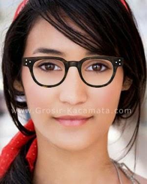 Kacamata Untuk Muka Oval