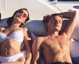 Bella Hadid's and Jordan Barrett enjoying in Cannes
