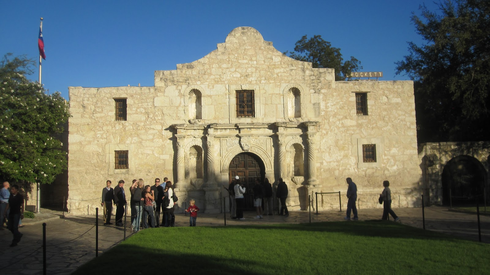 american alpine institute climbing blog th anniversary of the  the centerpiece of any tour of san antonio is the alamo