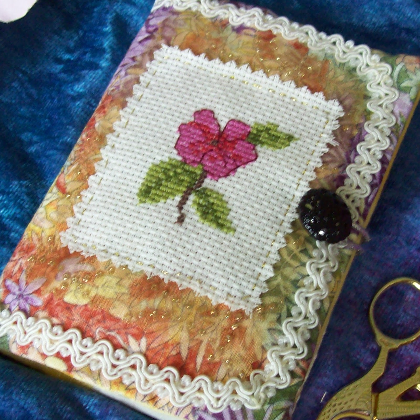 PINK FLOWER NEEDLECASE IN CROSS STITCH