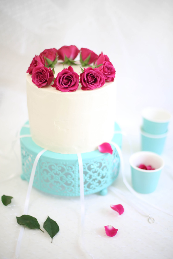 Raspberry champagne layer cake with victorian cake pulls for Decoration layer cake