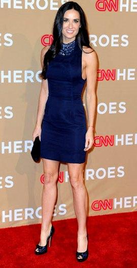 Foto de Demi Moore con vestido azul
