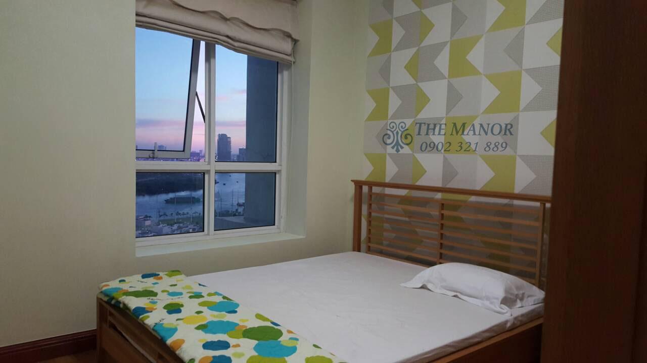 bán gấp hoặc cho thuê căn hộ The Manor 136m2 - cửa sổ phòng ngủ chính