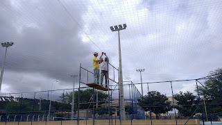 Prefeitura Universitária recupera rede de proteção aérea do campo de Futebol Society do CES