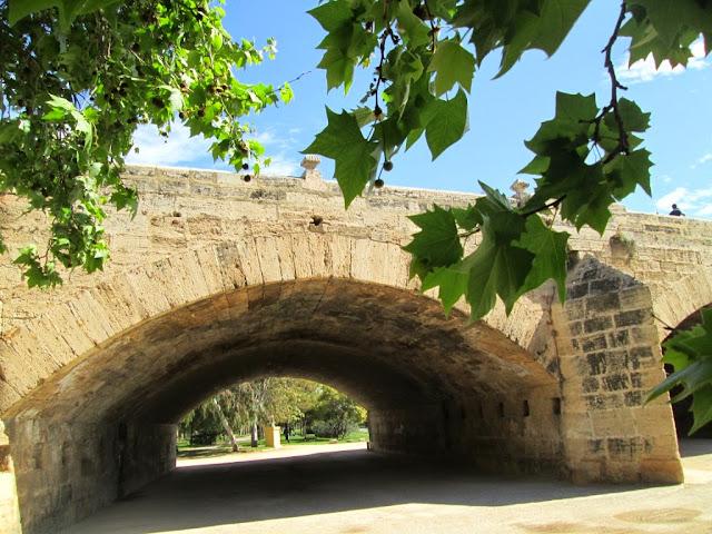 Puente del Real desde el viejo cauce - Paseos Fotográficos