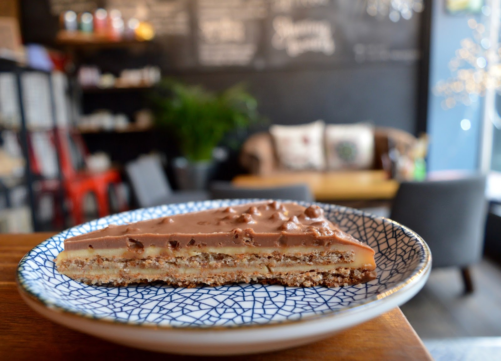 Meet and Treat Newcastle Cafe | A Perfect Spot for Pre-Theatre Drinks & Cakes with Kids for Tyne Theatre and Opera House - Daim bar cake