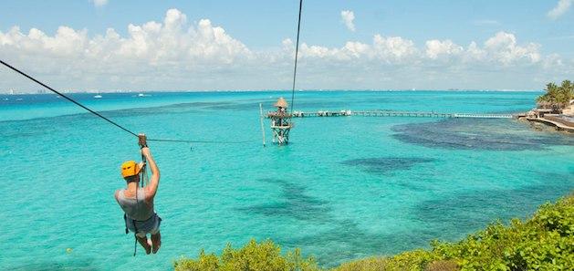 Tirolesas no Parque Garrafon Natural Reef Park em Cancún