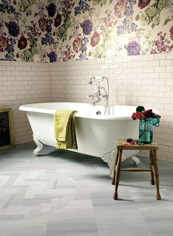 floral wallpaper in a bathroom