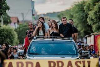 Campeã do 'The Voice Kids Brasil', Eduarda Brasil é homenageada em chegada à Paraíba