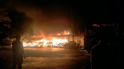 Kebakaran Landa Pasar Peunayong, Belasan Kios Ludes