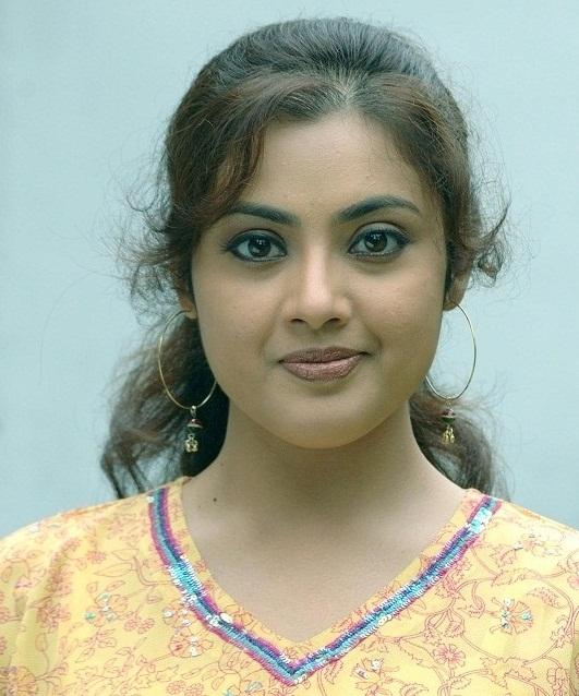 Swathi Verma Drogam Poster: Malayalam Actress Height Chart