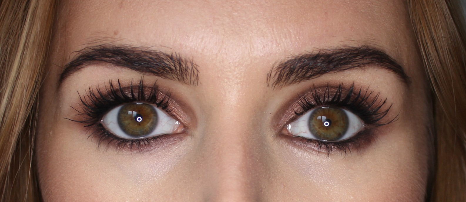 21fe7d37222 Thick, fluttery, wide-awake lashes. Super volumised, perfectly defined,  subtly curled and completely clump free... all.day.long!