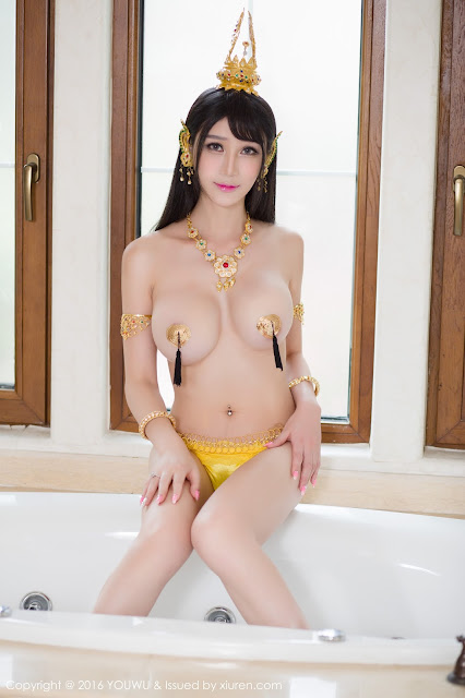 Hot girls Big natural boobs with sexy cosplay 2