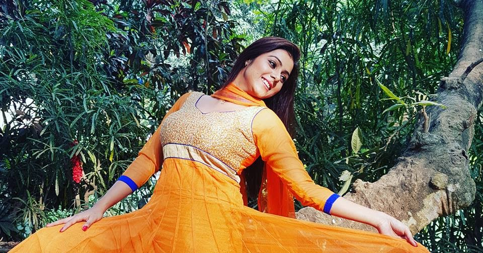 Bhojpuri Actress Priti Biswas Hot Photos, Images, Pics -1104
