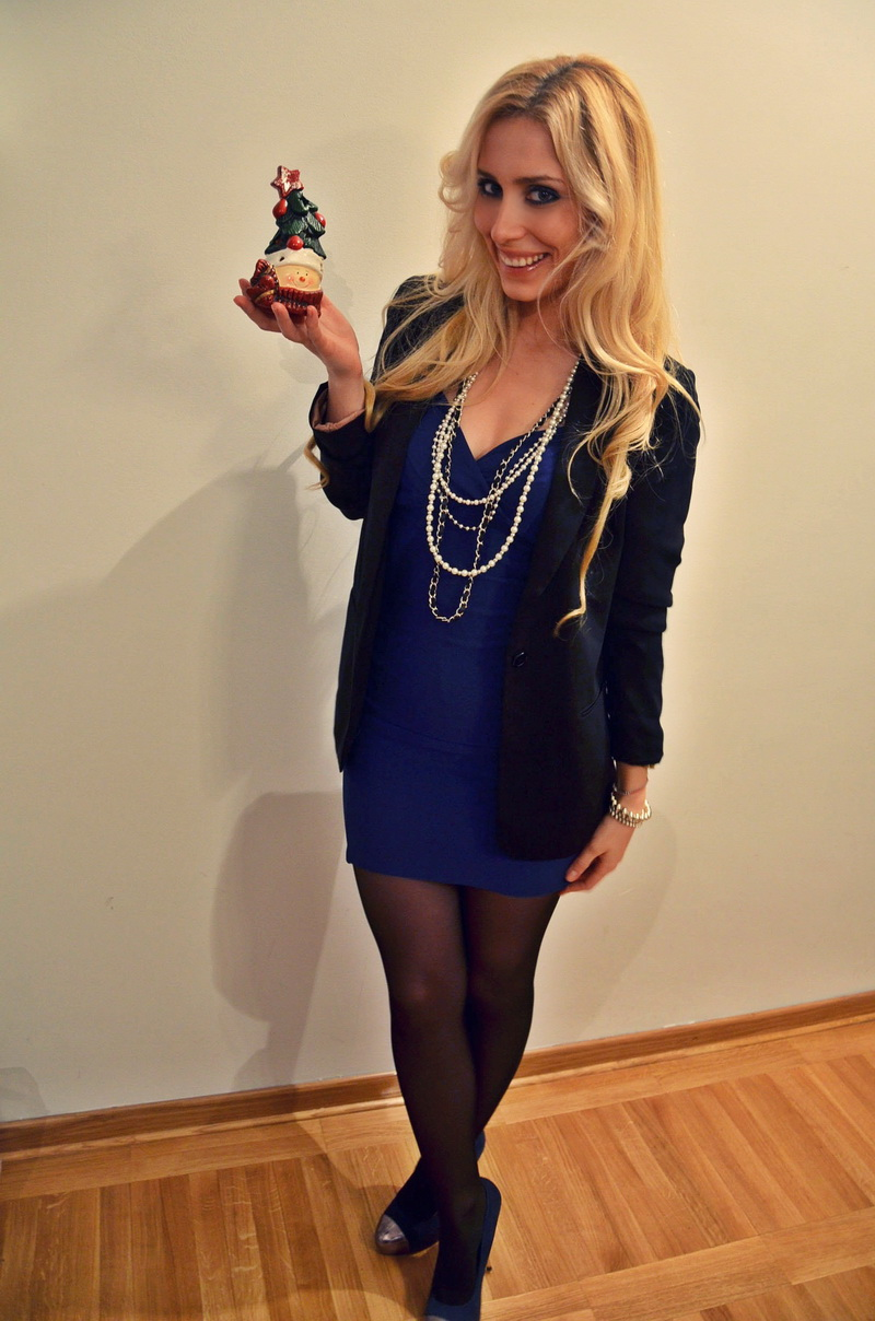 Blue Dress With Animal Print Shoes