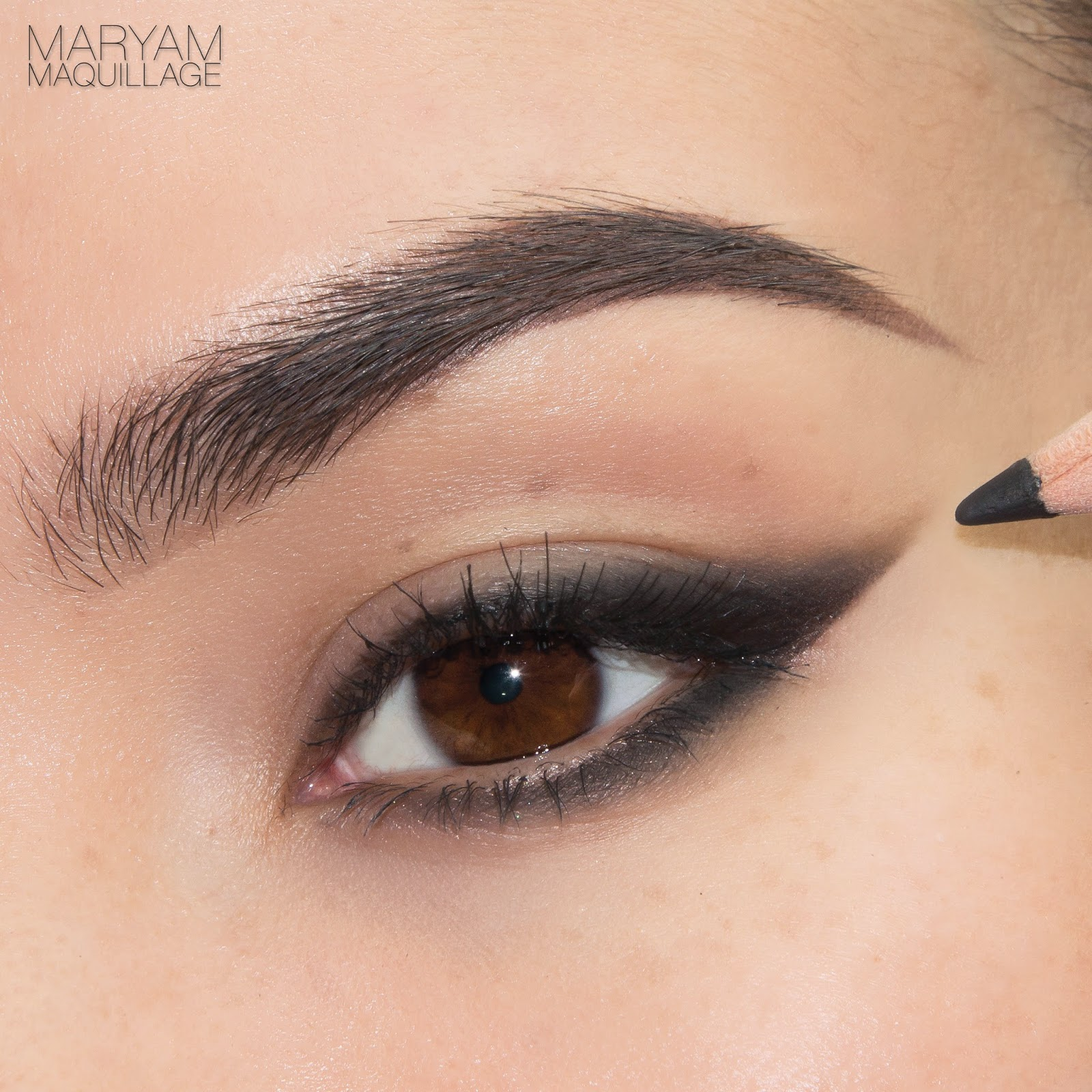 Maryam Maquillage Eyeliner Finder Four Liner Looks