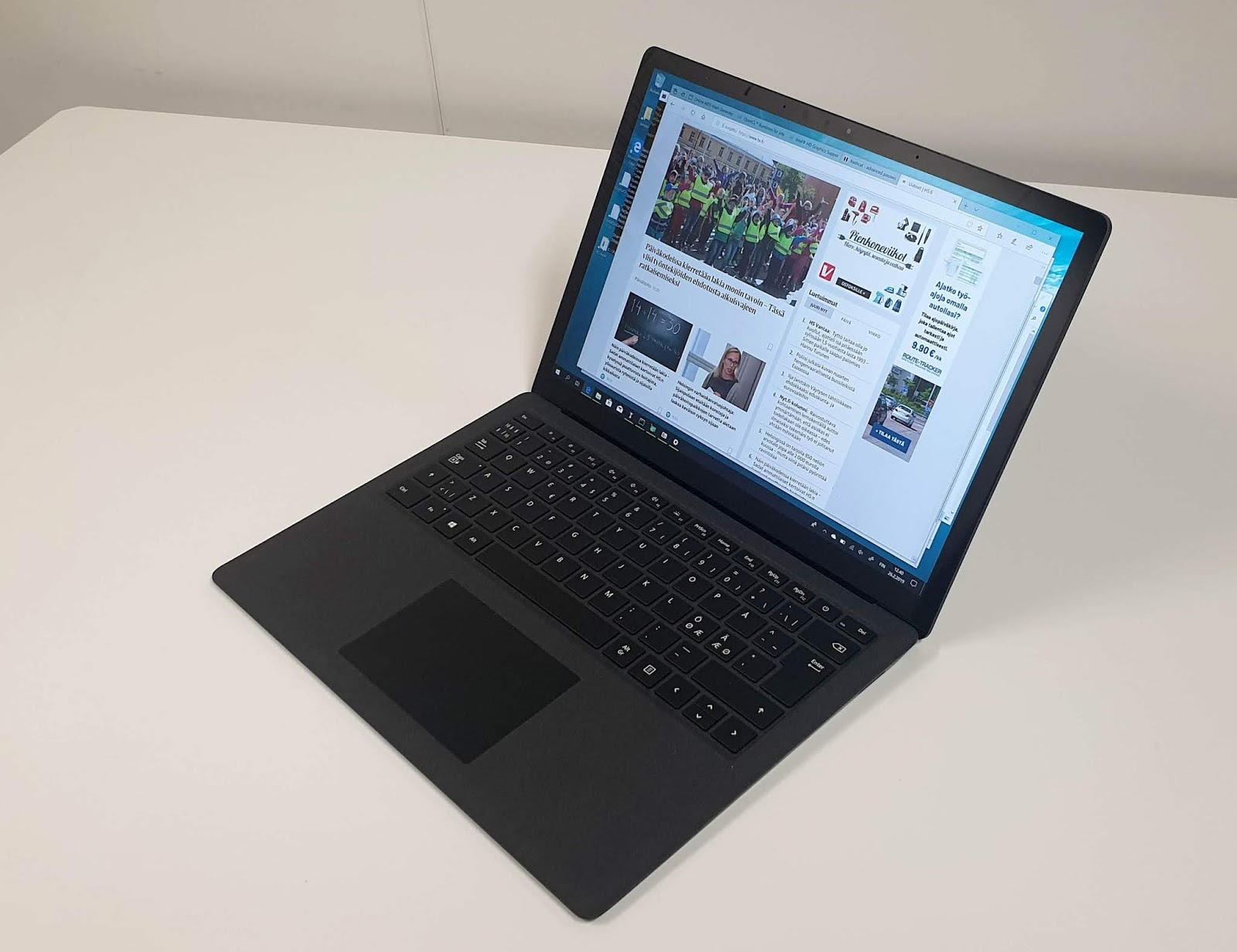 Laptop Orten Bittimittari Microsoft Surface Laptop 2 Läppäri
