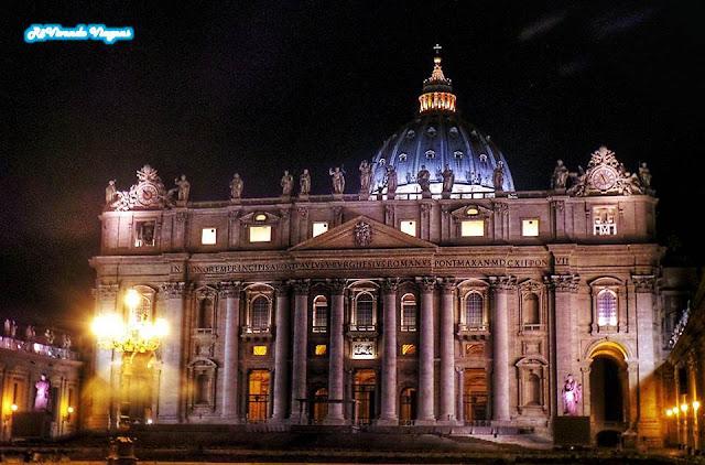 Vaticano à noite