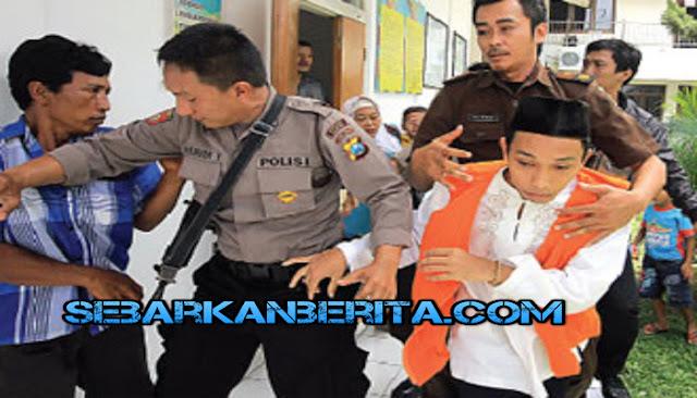 Tak Terima Pembunuh Anaknya Mendapat Hukuman Ringan, Ayah ini Akan Kejar Kemanapun Jika Sampai Pembunuh Anaknya Lepas dari Jerat Hukum.