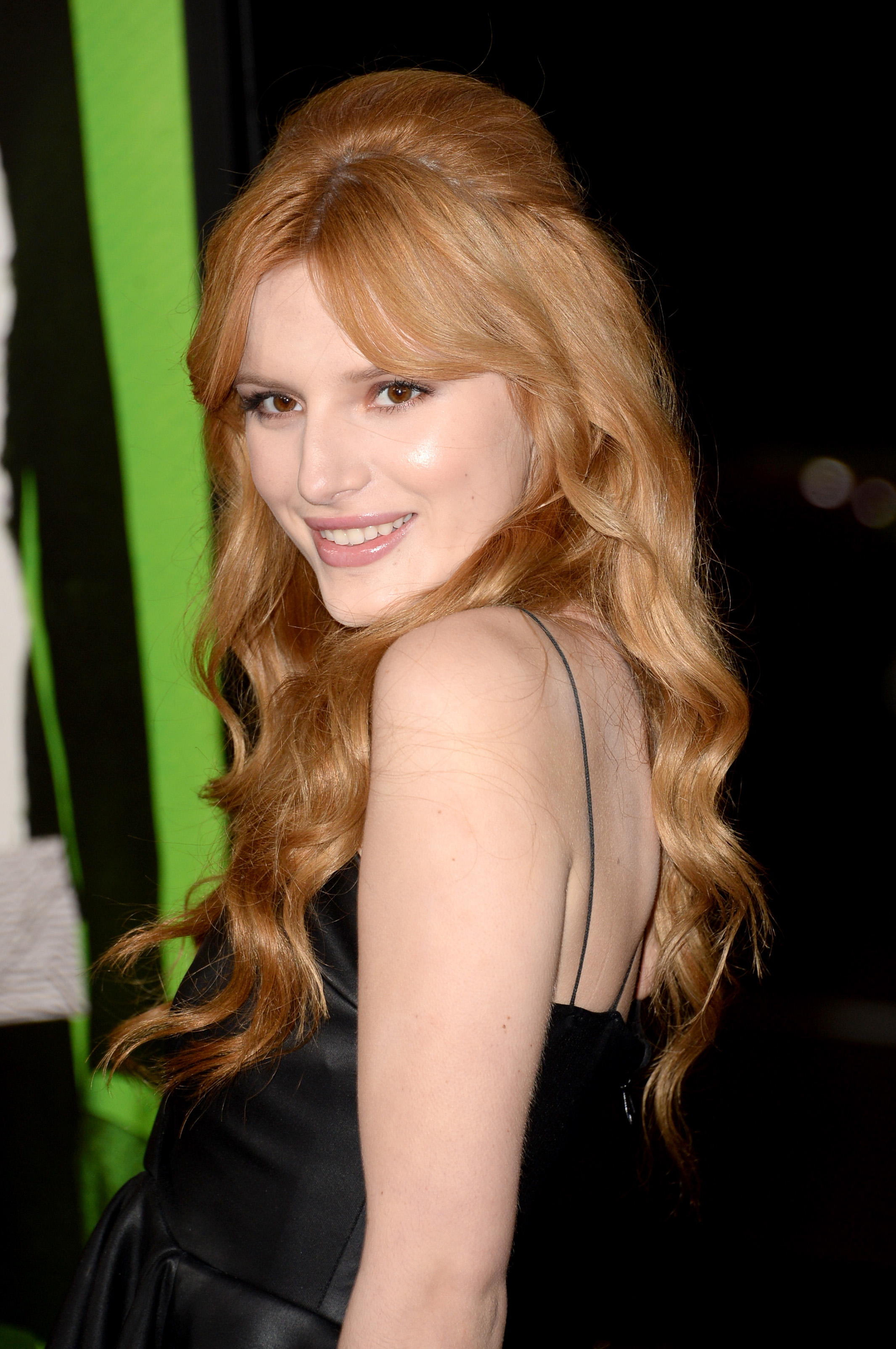 Bella Thorne pictures gallery (99) | Film Actresses