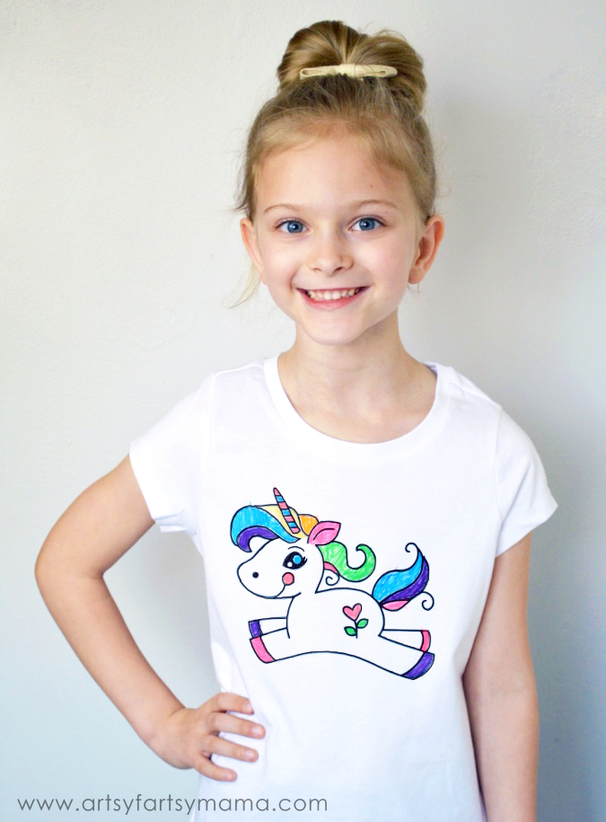 DIY Unicorn Coloring Shirt at artsyfartsymama.com