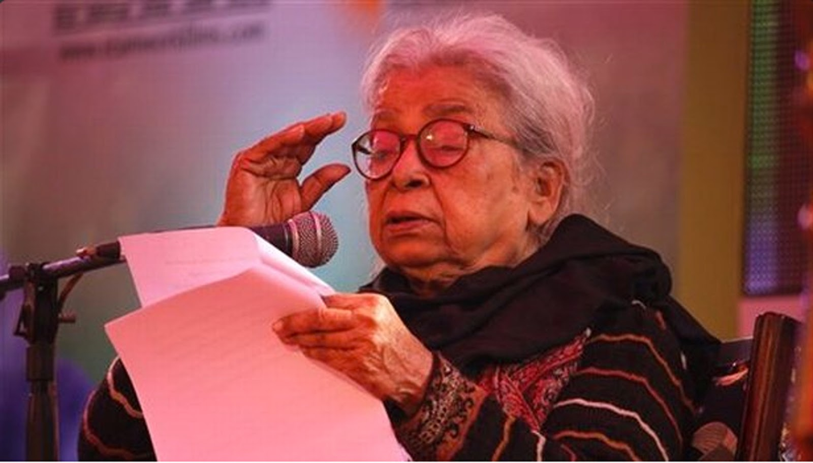 """draupadi by mahashweta devi essay Mahasweta devi's stories speak of this unspeakable truth of women's misery and  their power of  to discuss some of her short stories such as, """"breast-giver"""", """" draupadi"""", """"dhouli"""", """"shanichari"""",  in other worlds: essays in cultural politics."""